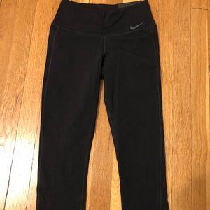 NWT Nike Training Tight Fit Black Capri Leggings
